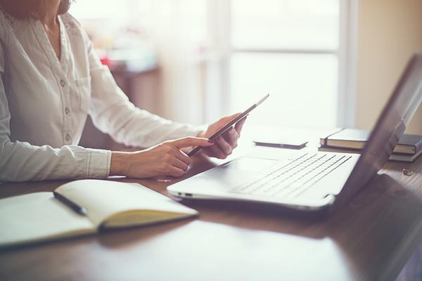 Woman laptop working 600x400