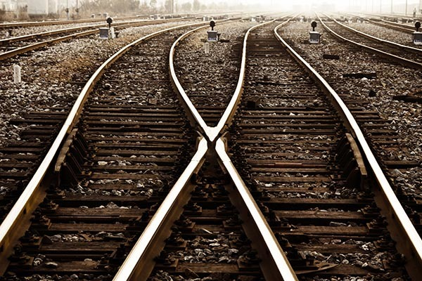 Train tracks 600x400