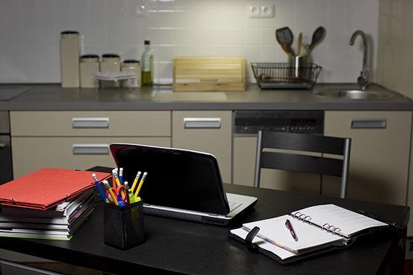 Desk set up in kitchen 600x400